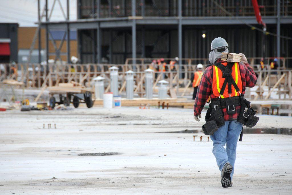 Travailleurs construction