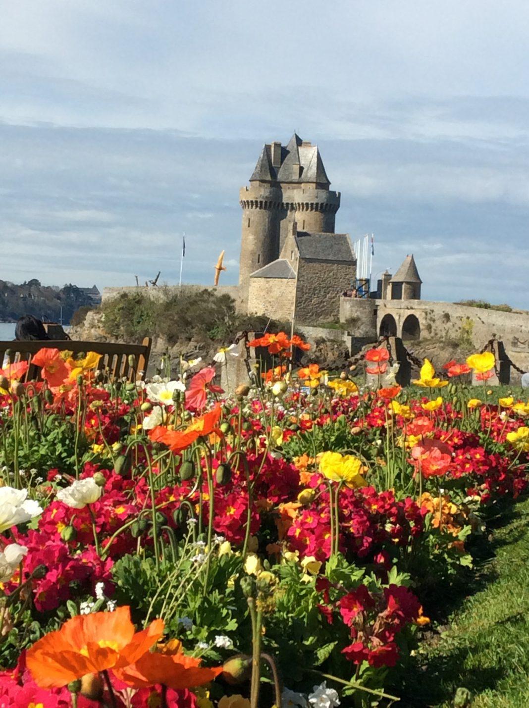 Château à Équire, France . (Crédit photo Daniel Projean)
