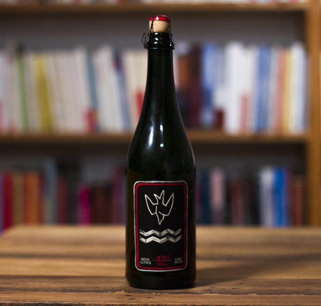 """La bière du Pays de la Brasserie Auval de Val-d""""Espoir."""