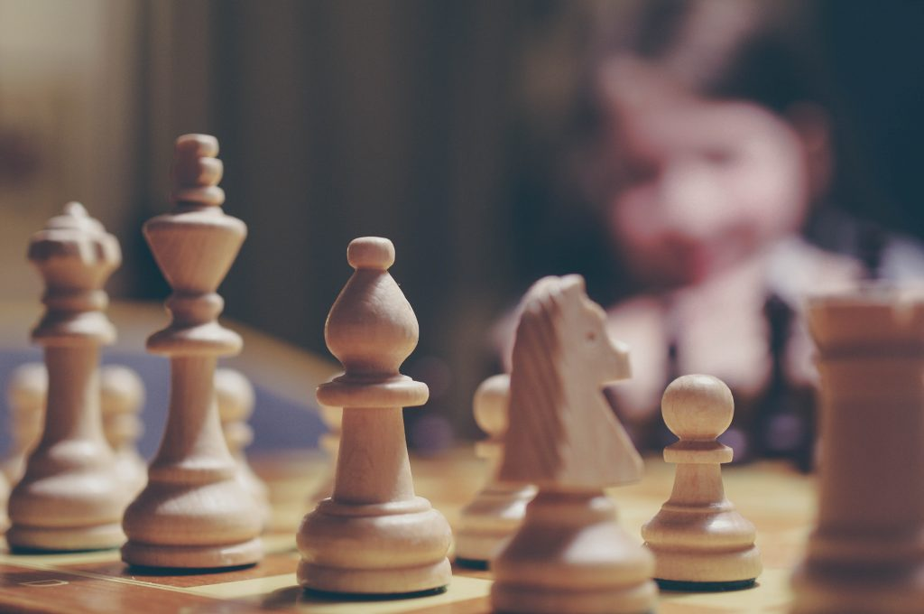 Découvrir la littérature japonaise, une partie d'échecs à la fois