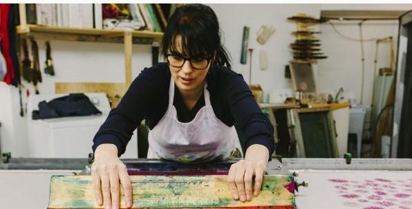 Une entrepreneure vise zéro déchet dans le textile