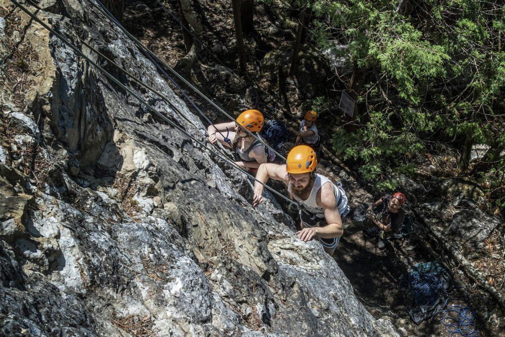L'escalade de rocher fait son nid, au Bas-Saint-Laurent