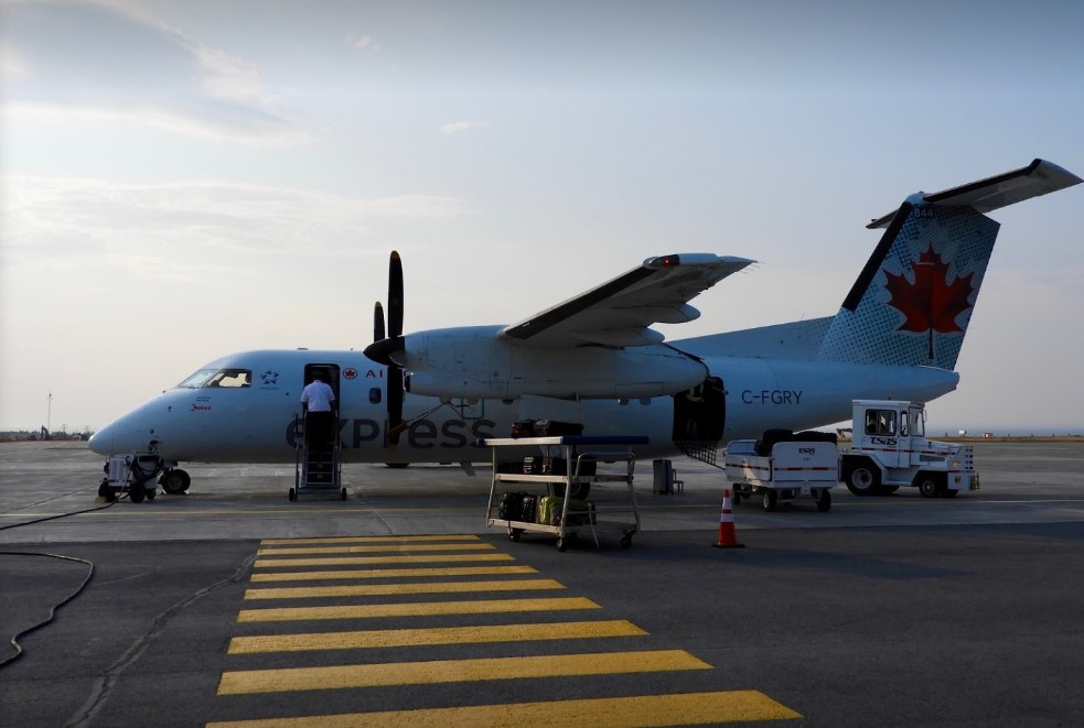 Transport aérien : le PQ milite en faveur d'une politique de prix