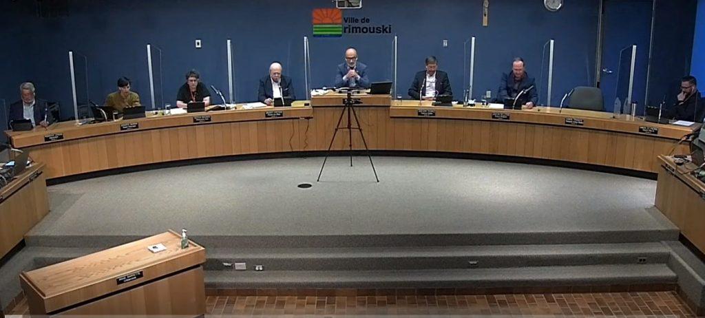 Le conseil municipal se «fait une tête» sur le redécoupage des districts
