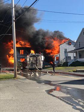 Dernière heure: important incendie au cœur du village de Saint-Fabien