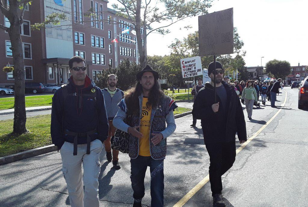 Le maire Parent invite les « anti » à annuler leur manifestation