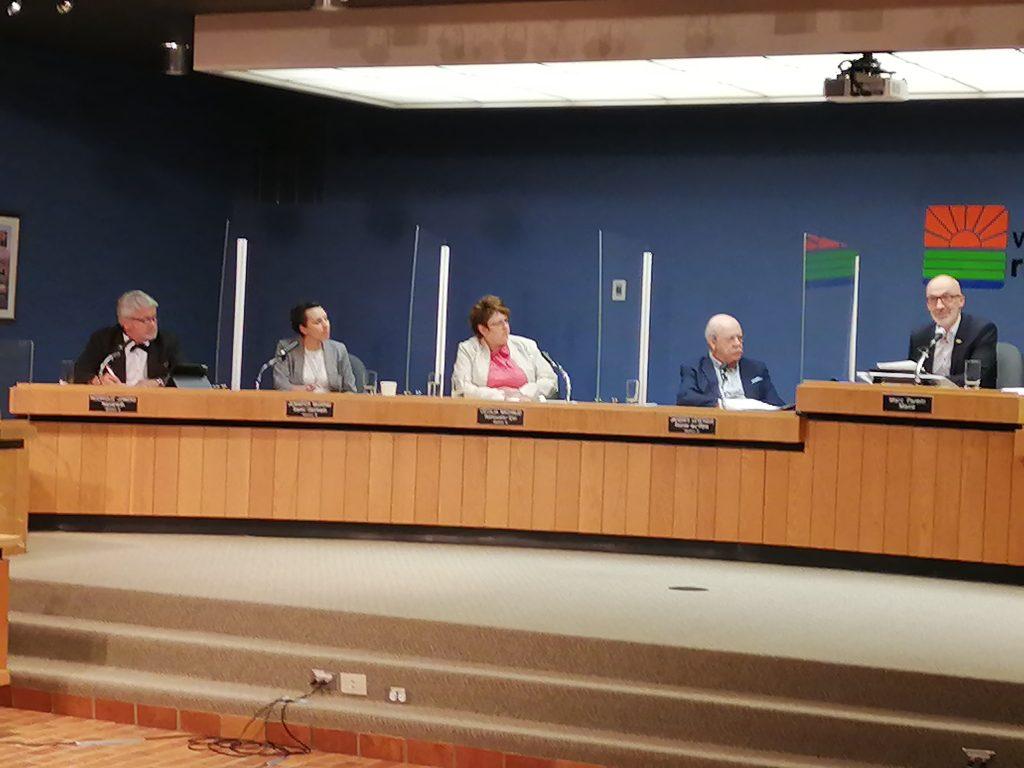 La commission de la représentation électorale devrait statuer d'ici la fin novembre