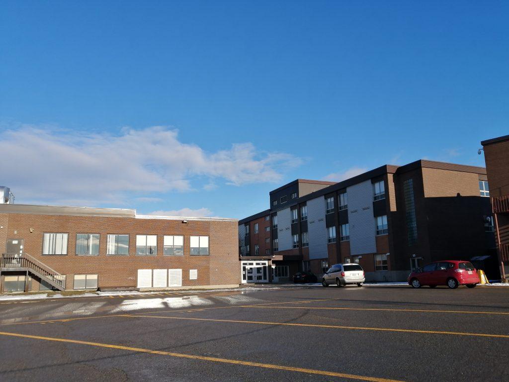 Neuf écoles du Centre de services scolaire des Phares aux prises avec des cas de COVID-19