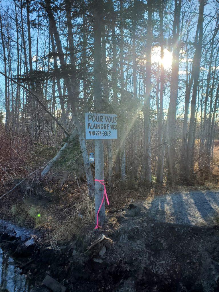 Sentier interrompu : signe d'un différend avec la Ville