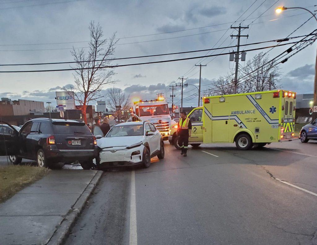 Accrochage entre deux véhicules sur l'avenue Léonidas