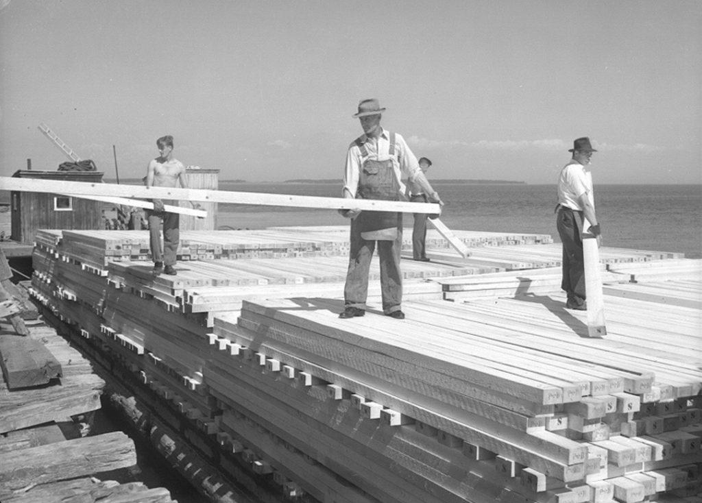 La grande scierie Price de Rimouski en 1948. Collection Richard Saindon