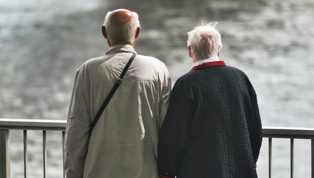 Une association outrée du manque de place accordée au sort des aînés