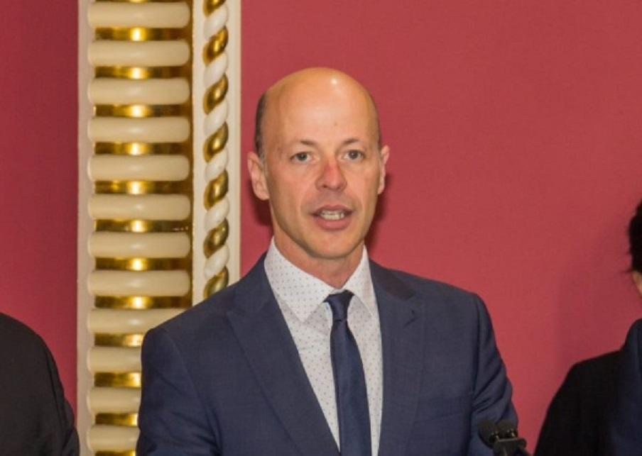 Joël Arseneau insiste pour réclamer le retour du système d'alertes régionales