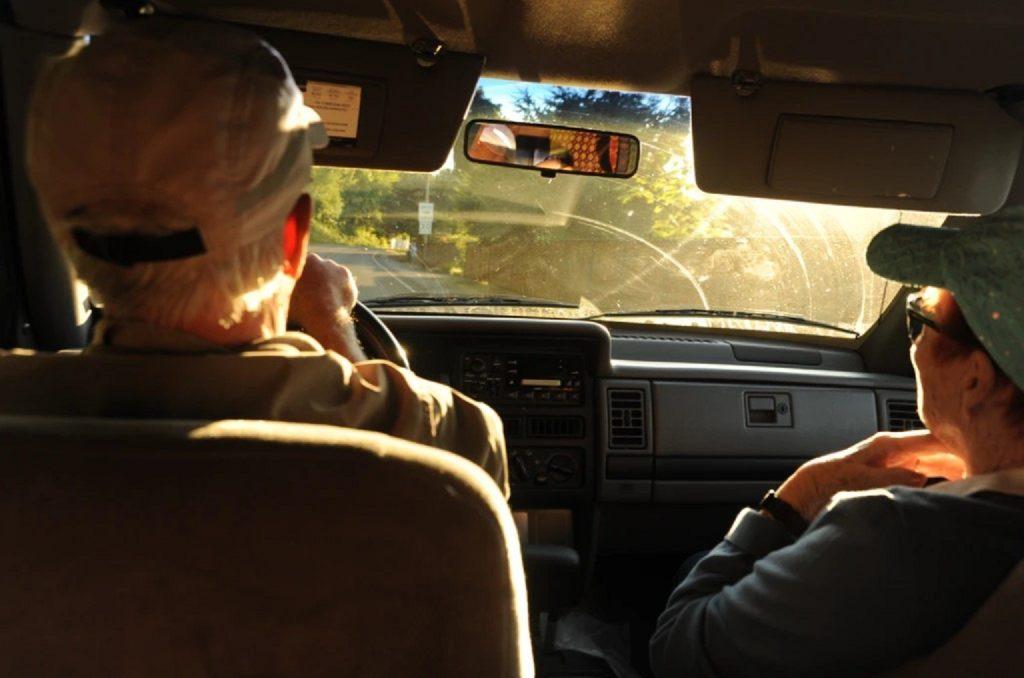 Des aînés seraient victimes d'âgisme pour récupérer leur permis de conduire
