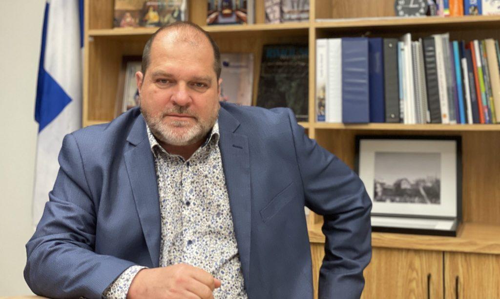 Harold LeBel estime que l'aménagement d'Espaces bleus exigera de la transparence
