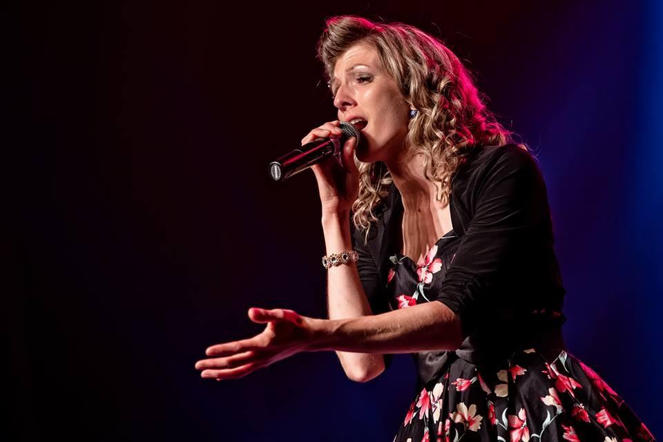 Anybel Roussy accède à la grande finale de Trois-Pistoles en chanson
